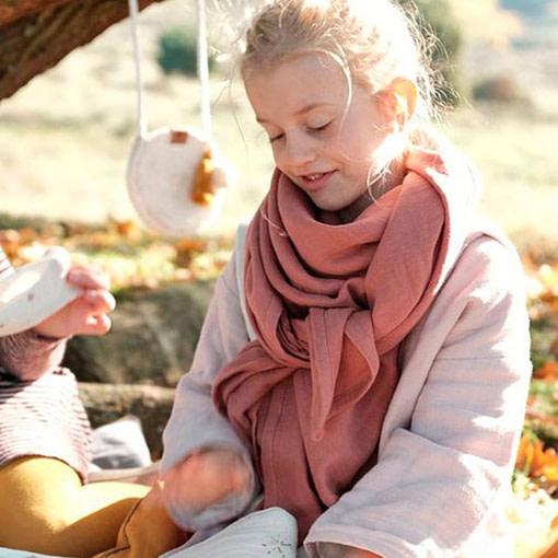 Mussolina foulard indossata